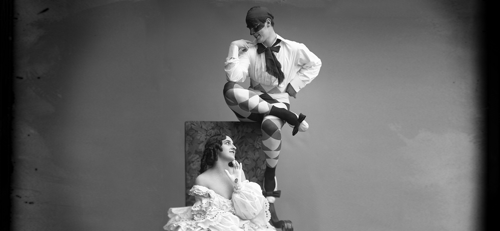 "[An Opera Triple Bill] Michel Fokine and Vera Fokina in Ballet Russes ""Carnaval"", 1914. Photographer: Atelier Jaeger"