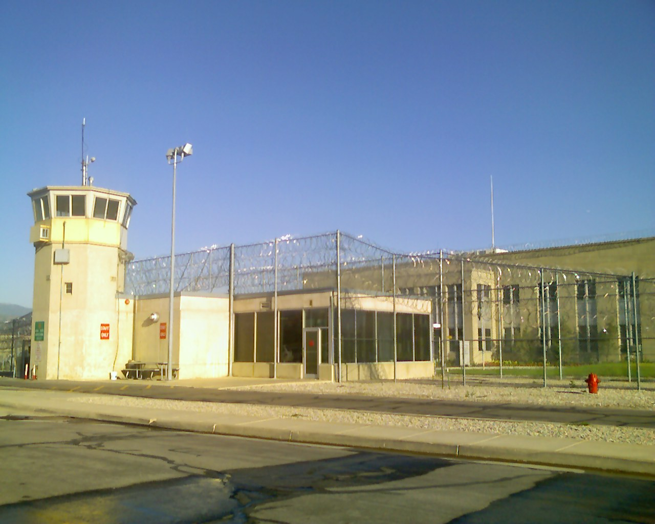 Prison, http://commons.wikimedia.org/wiki/File:Utah_State_Prison_Wasatch_Facility.jpg