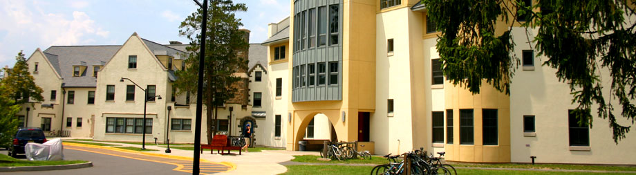 Robbins, which consists of Old Robbins & New Robbins, houses upper college students.