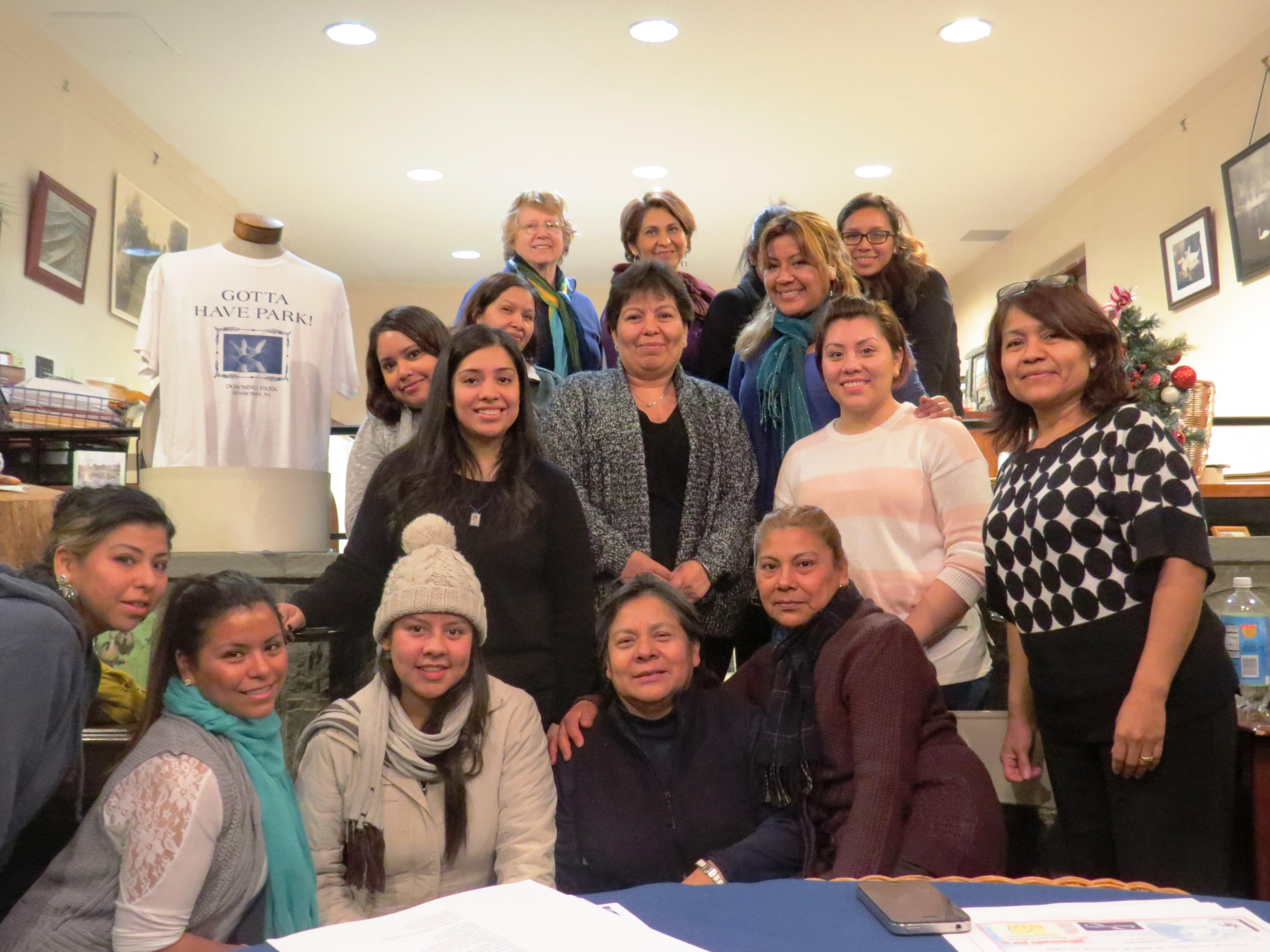 Las asistentes a la primera reunión del Grupo de Mujeres Latinas del Valle de Hudson. A las siguientes reuniones, ¡llegaron el doble!