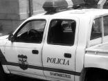 Controles policiales, como este en El Salvador, se encuentran frecuentemente en el camino a los Estados Unidos